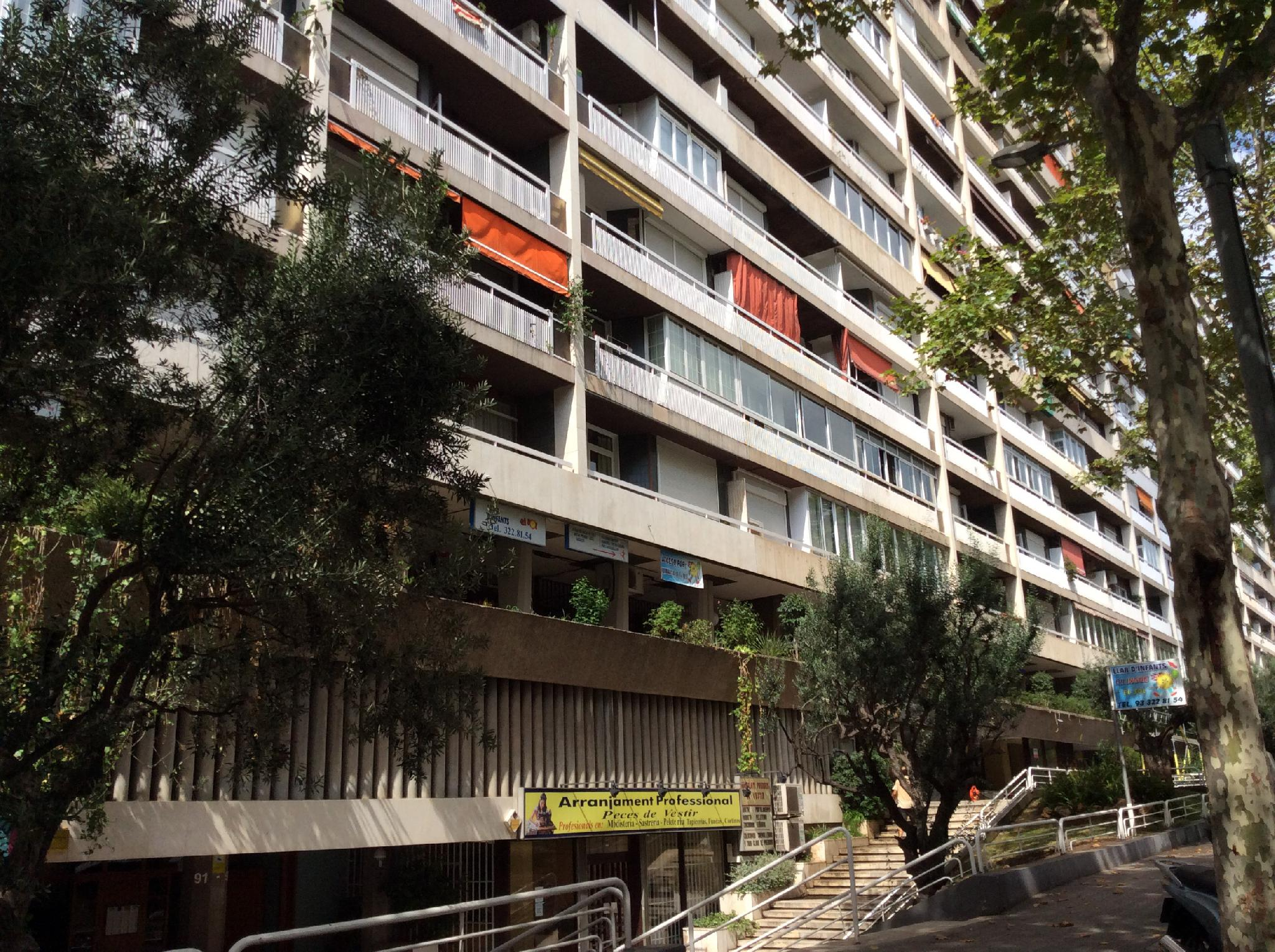 petit-appartement-de-vente-a-junto-travesera-de-las-corts-les-corts-a-barcelona-210269549