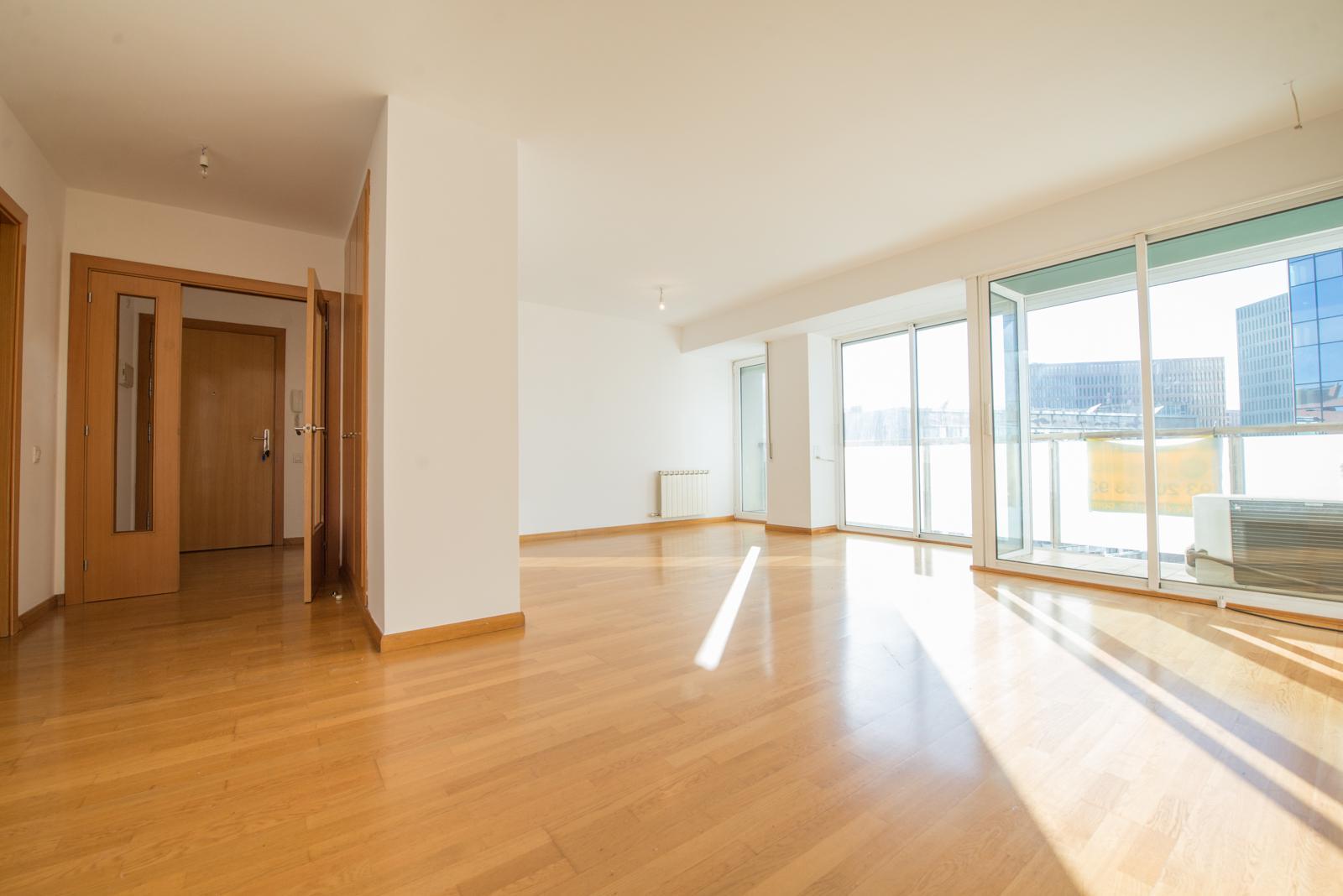 flat-for-sale-in-plaza-cerda-la-marina-de-port-in-barcelona