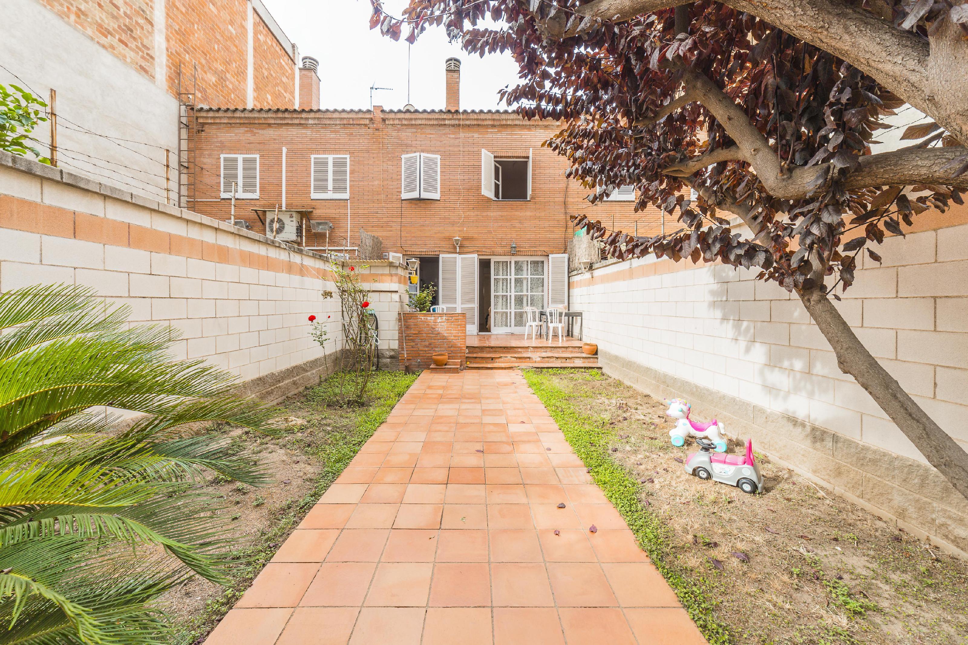 172964 Casa Pareada en venda en Gràcia, Vila de Gràcia 1