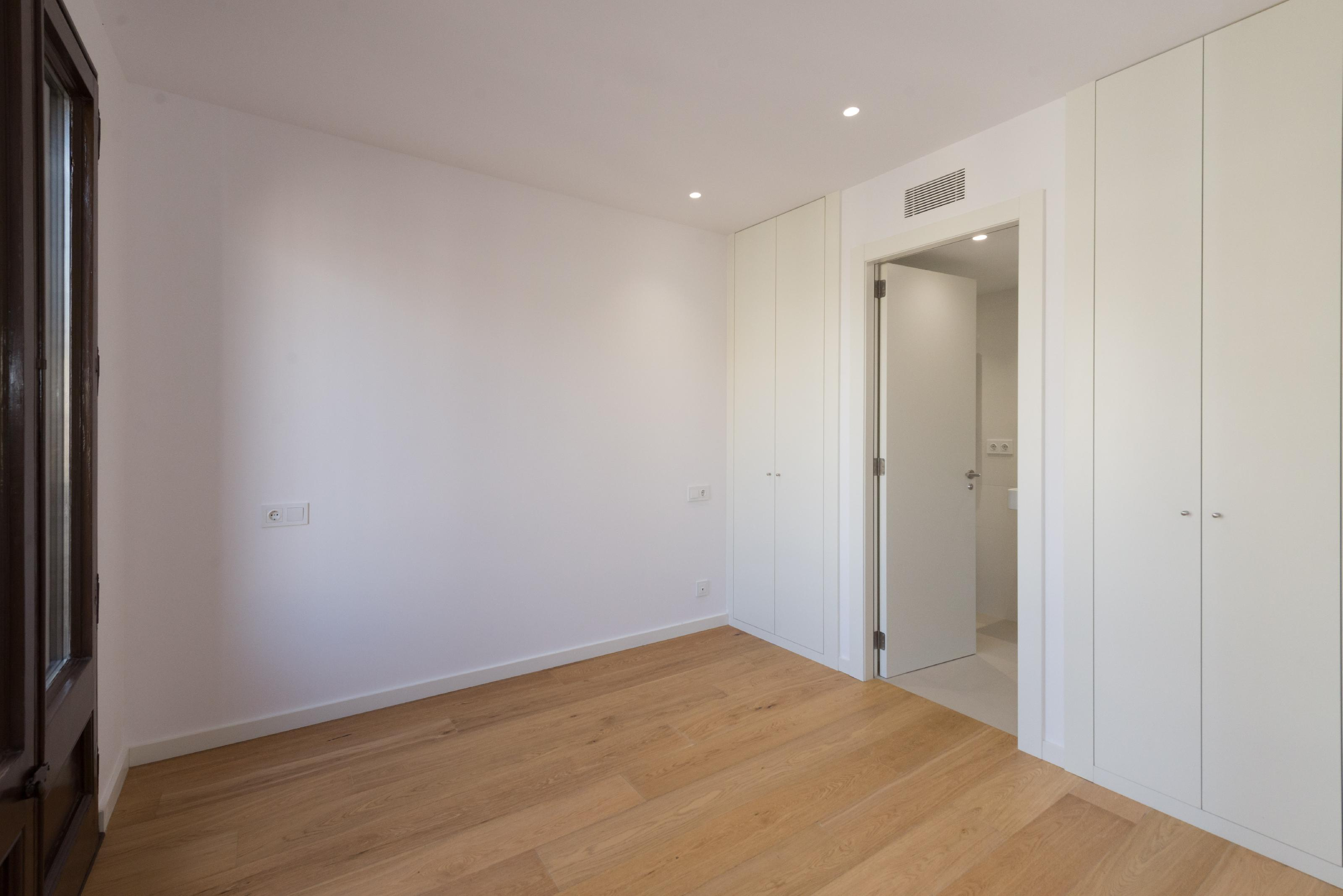 236358 Flat for sale in Eixample, Old Left Eixample 23