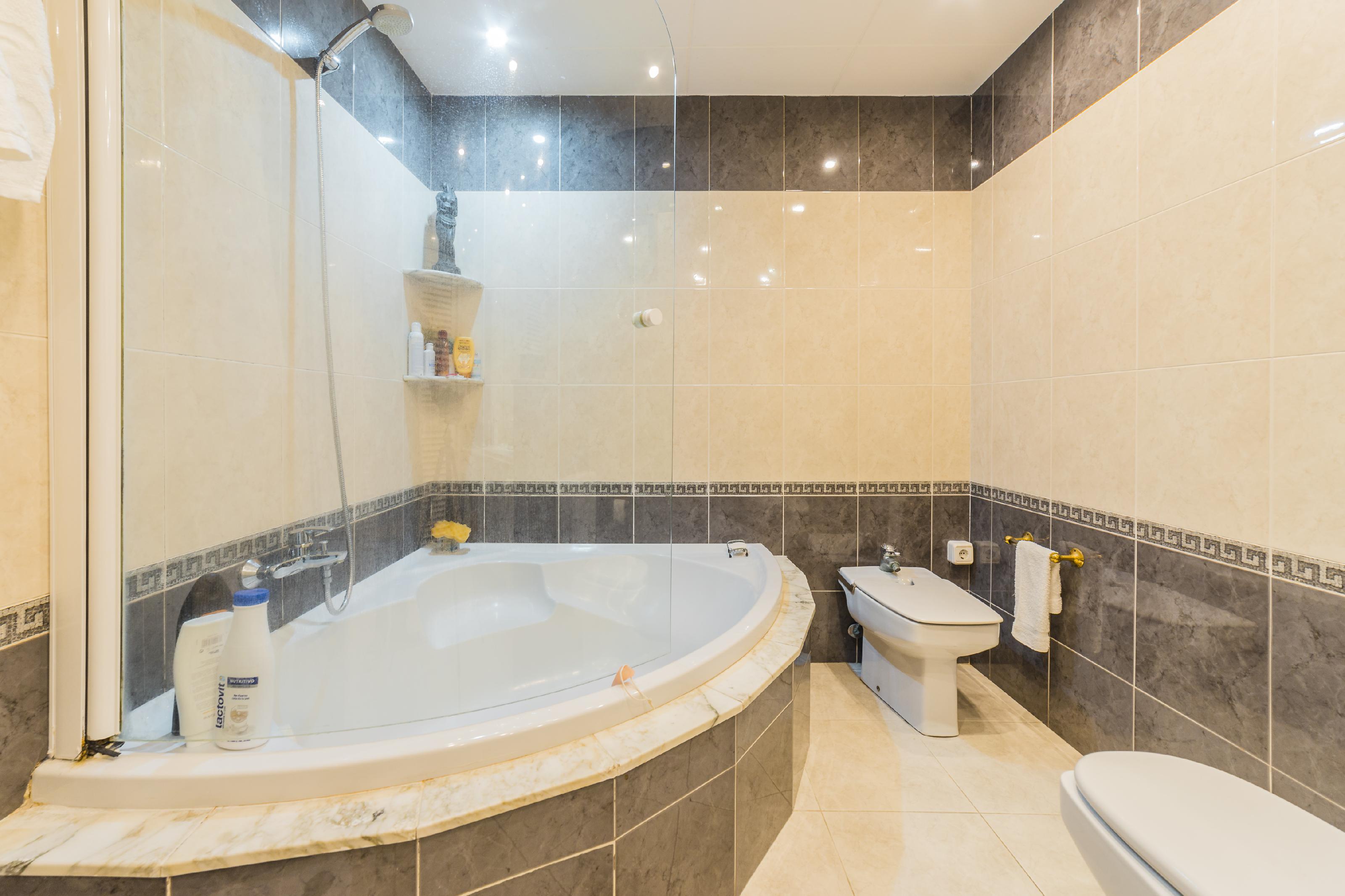 246685 Flat for sale in Horta-Guinardó, Font d´en Fargues 26