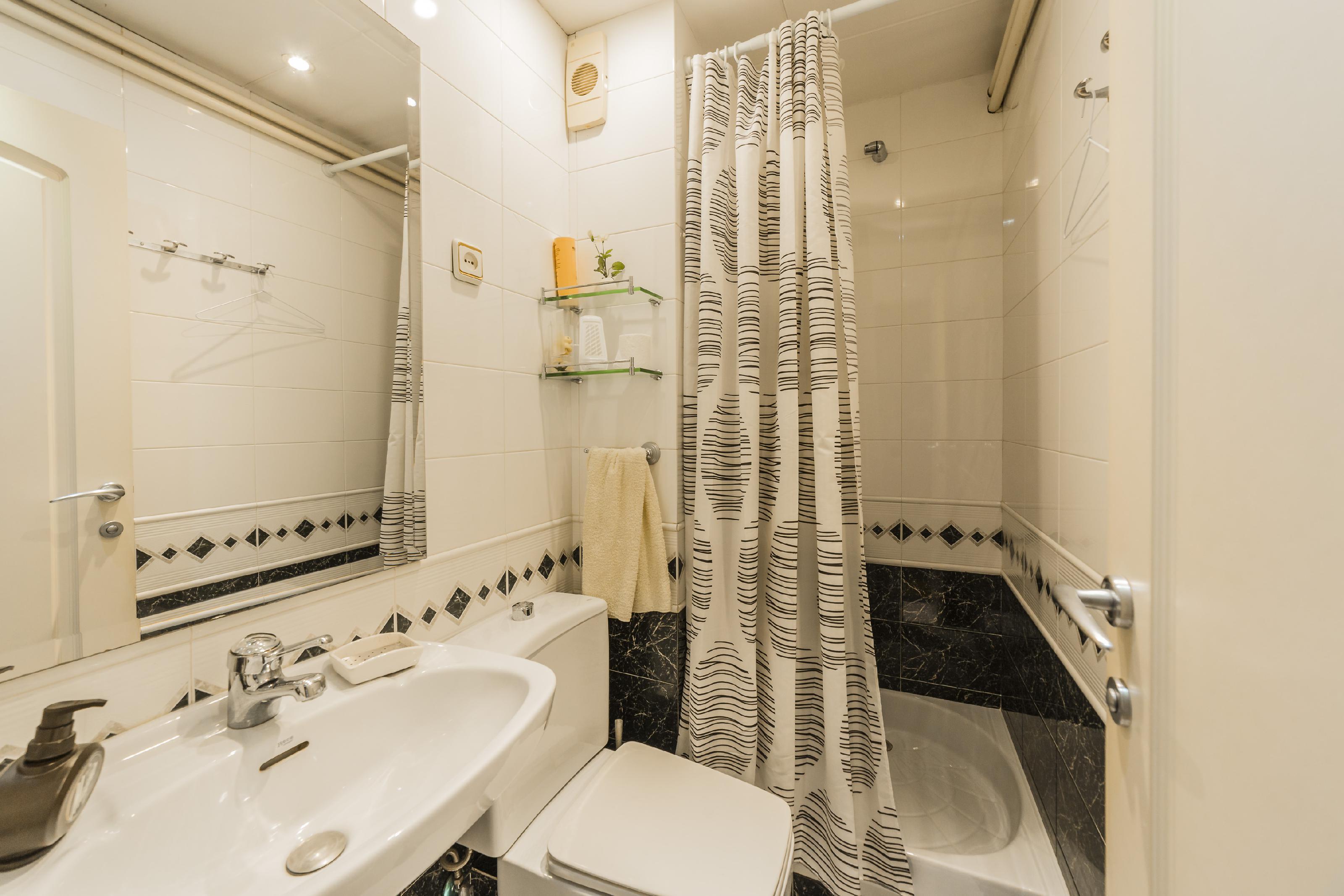 246685 Flat for sale in Horta-Guinardó, Font d´en Fargues 35