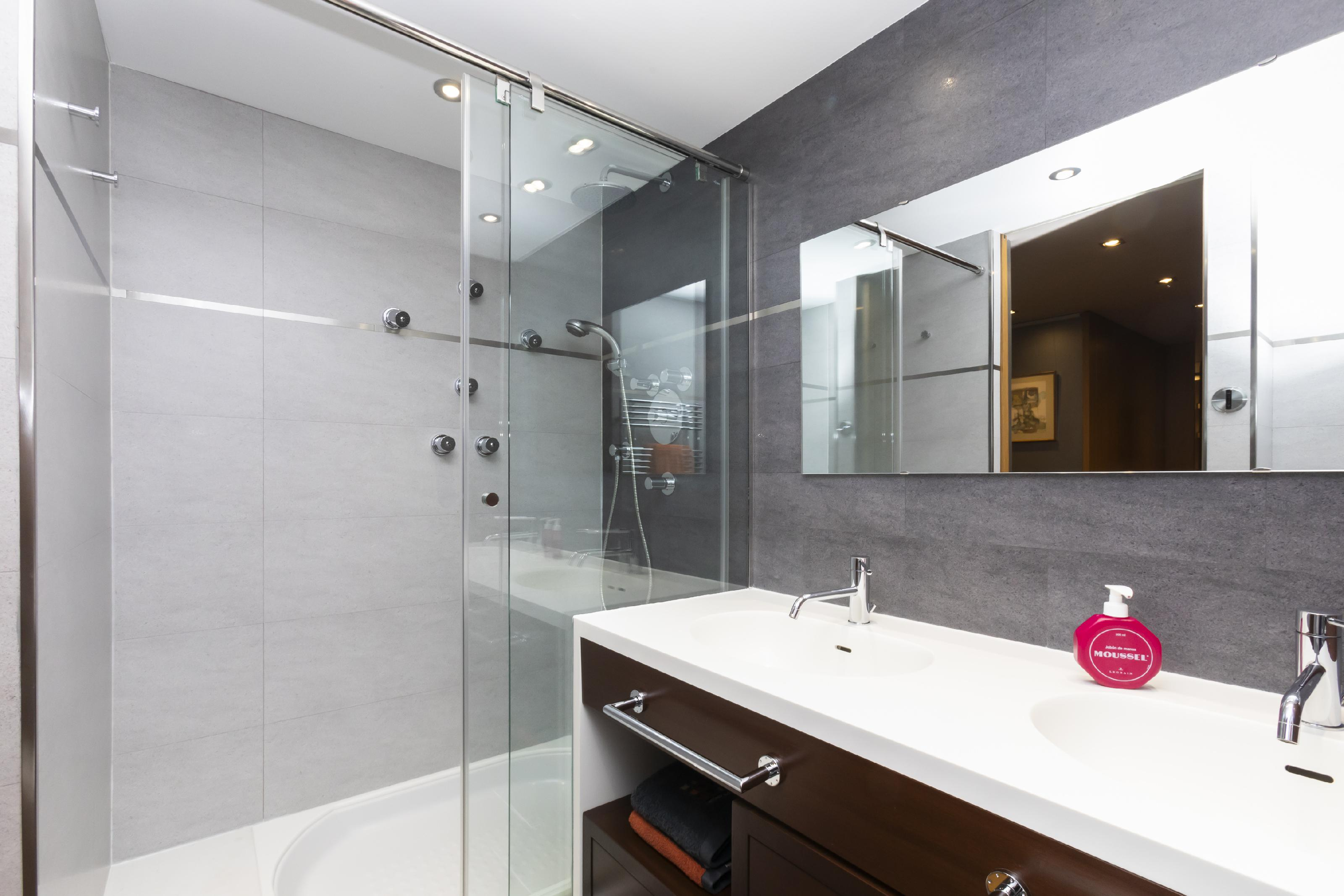 247020 Flat for sale in Les Corts, Les Corts 30