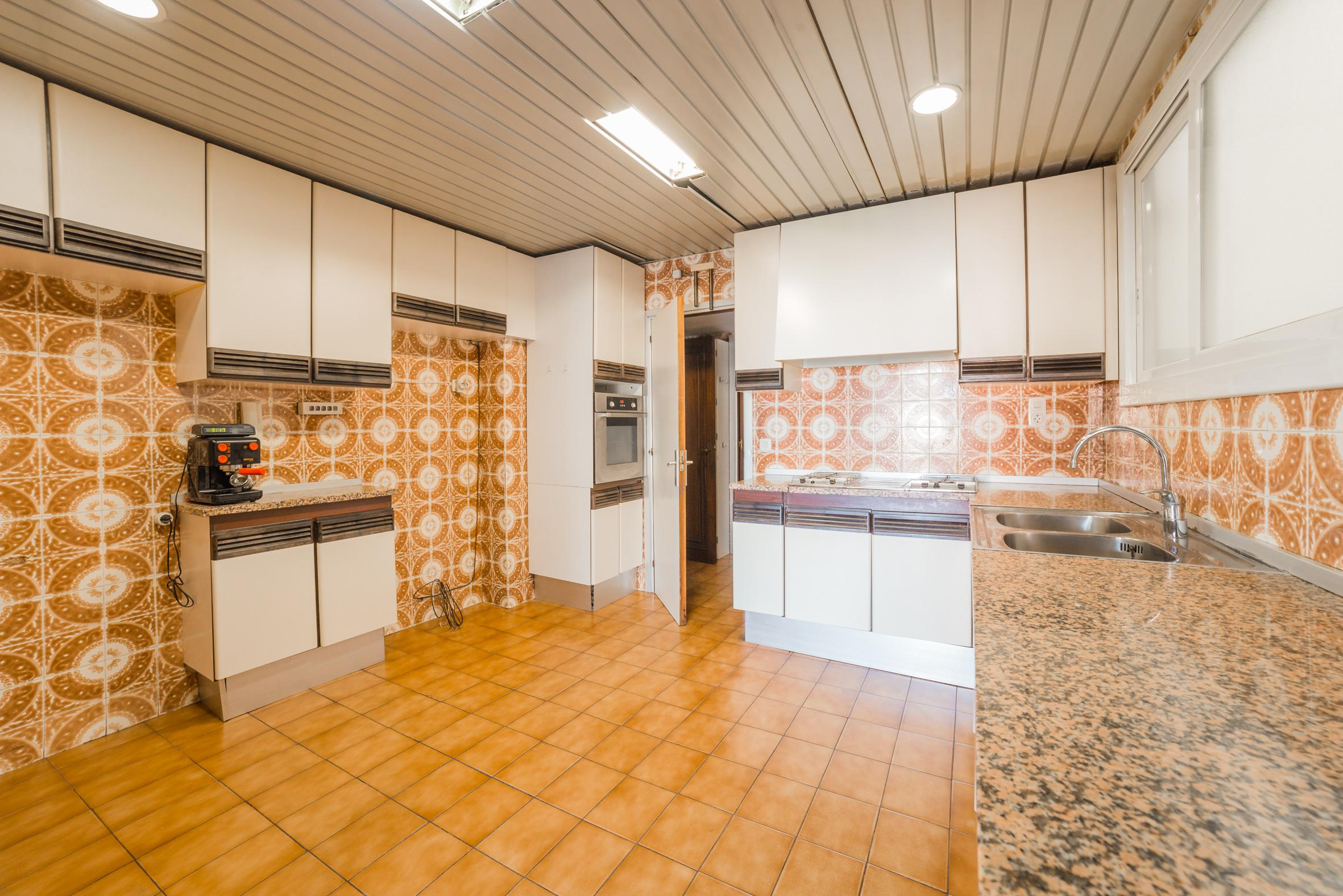 248988 Flat for sale in Les Corts, Les Corts 13